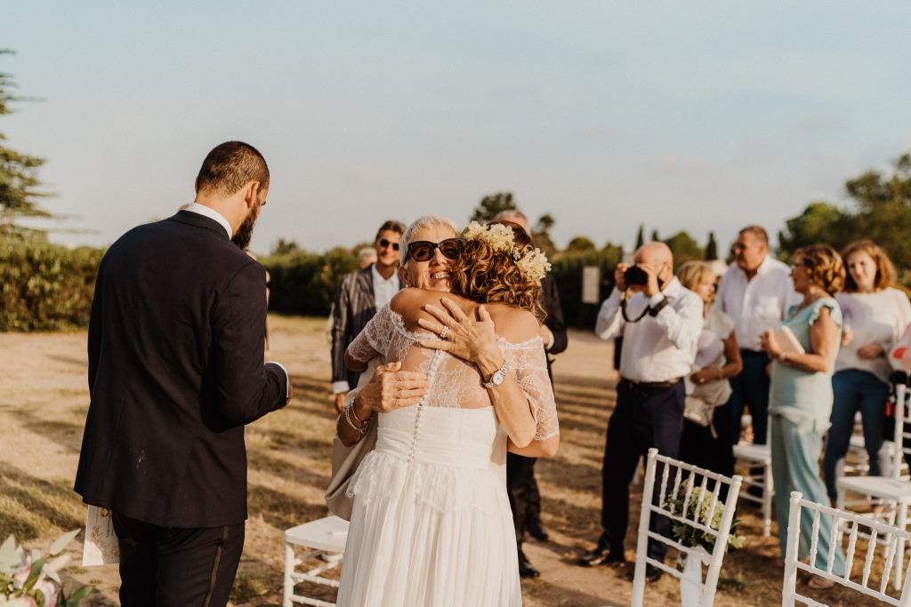 abbracci spontanei alla fine del matrimonio